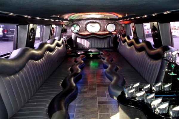 white hummer limo service Woodstock