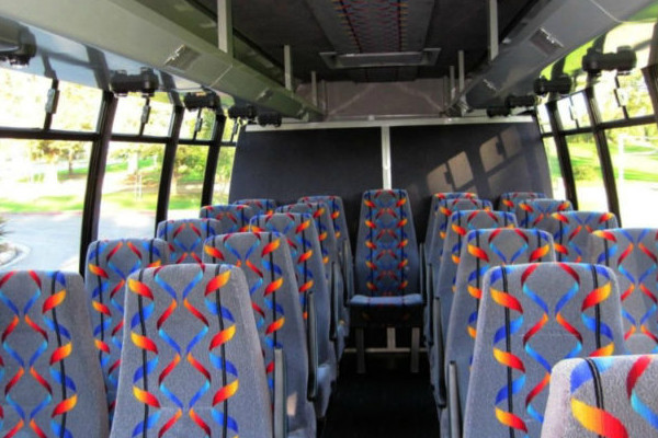20 person mini bus rental north hempstead ny