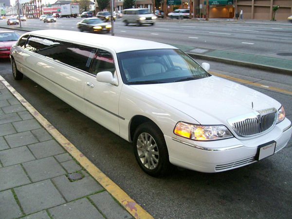 New York 8 Passenger Limo