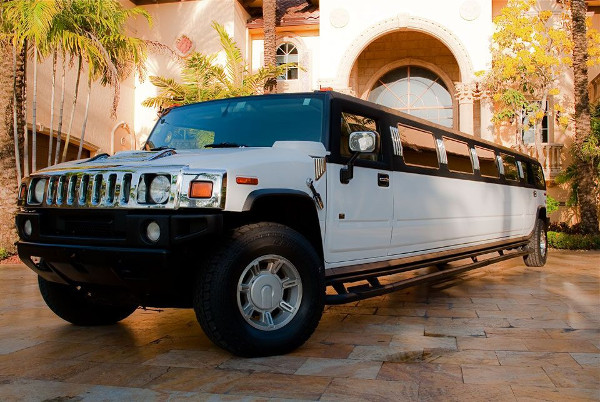 Gates Hummer Limousines Rental
